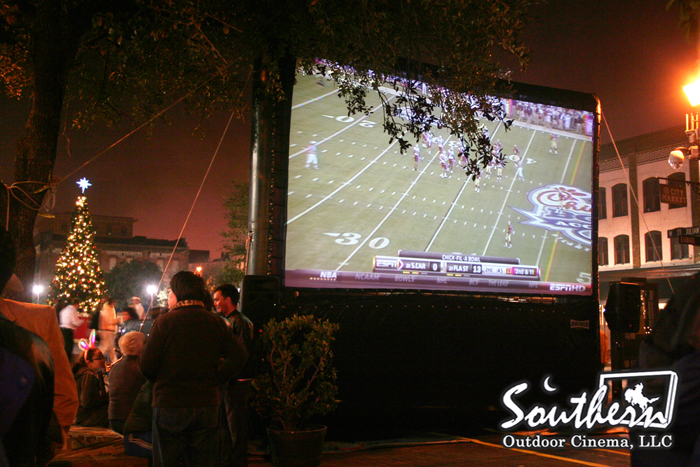 Football game on an AIRSCREEN
