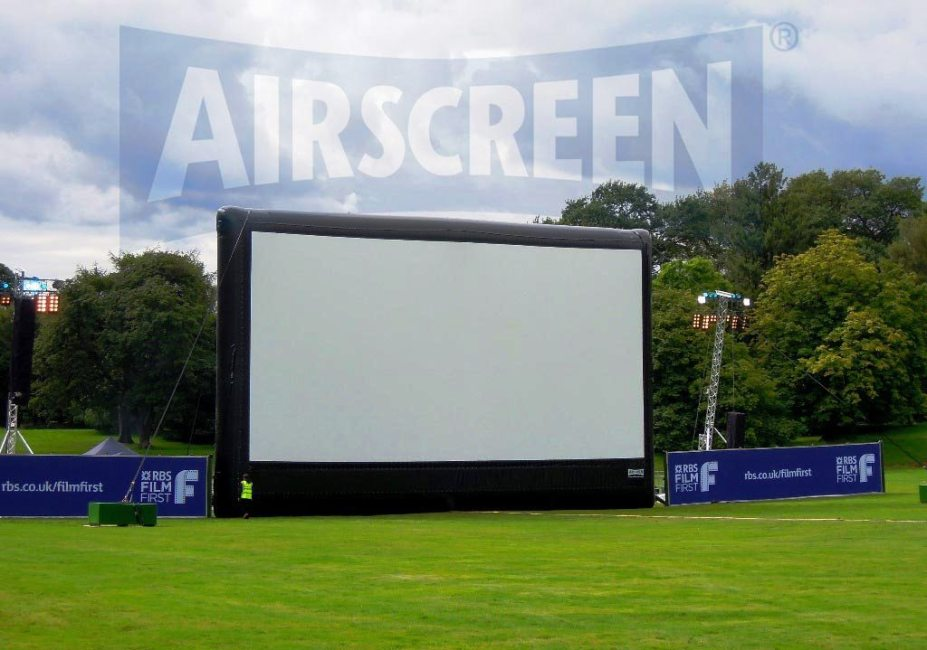 AIRSCREEN Classic 18 x 9m in use at Hopetoun House, Edinburgh