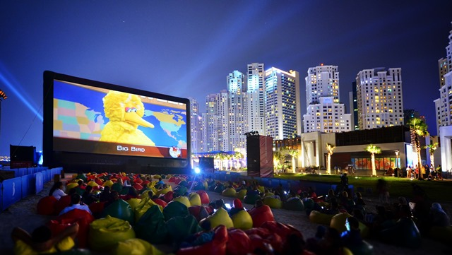 Pop up cinema Jumeirah Beach Dubai Film Festival 12-2014