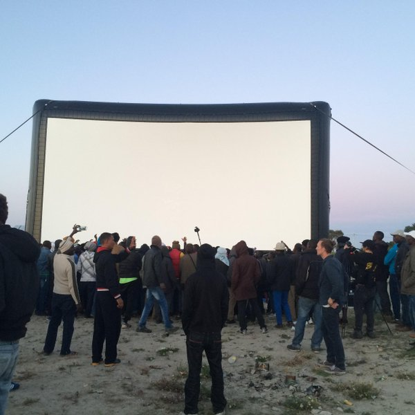 Pop up cinema for refugees